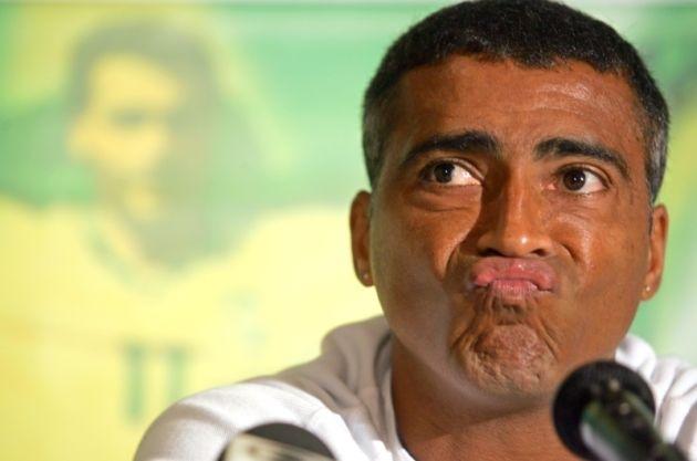 Romário comentendo futebol