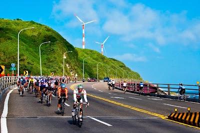 北海岸優美的海岸線是最心曠神怡的單車路線.jpg