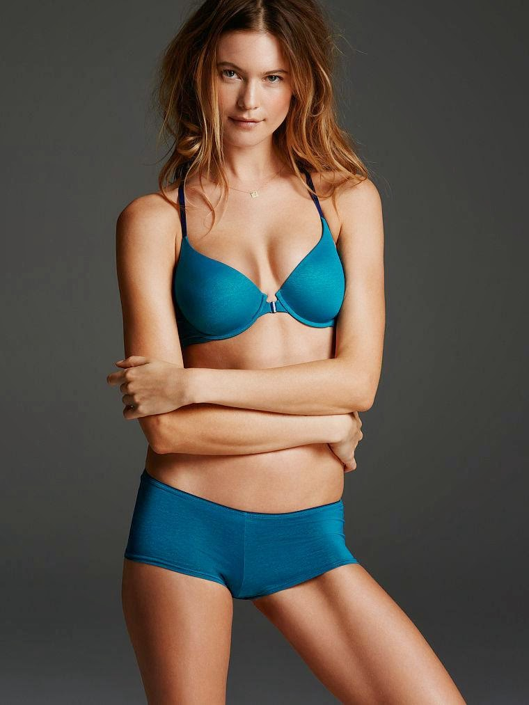 Super Models and Actors around the world.: Behati Prinsloo Sexy photoshoot