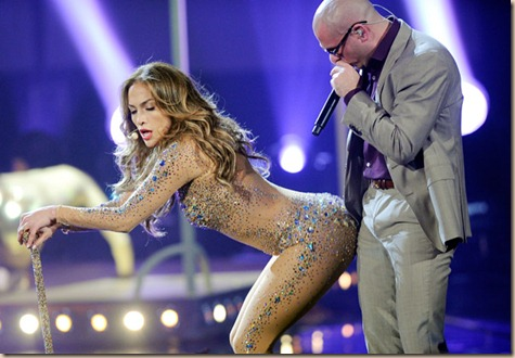 Jennifer-Lopez-AMA-with-Pitbull