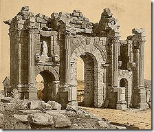 220px-Roman_Arch_of_Trajan_at_Thamugadi_(Timgad),_Algeria_04966r