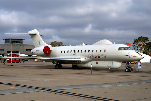 "N901GX, Bombardier BD-700-1A10 ""Global Express"" , s/n 9001, outfitted with ventral and dorsal radomes (making it look much like an RAF Astor) for trials of the Battlefield Airborne Communications Node (BACN) system. [Day 1, Friday, 03OCT08]"