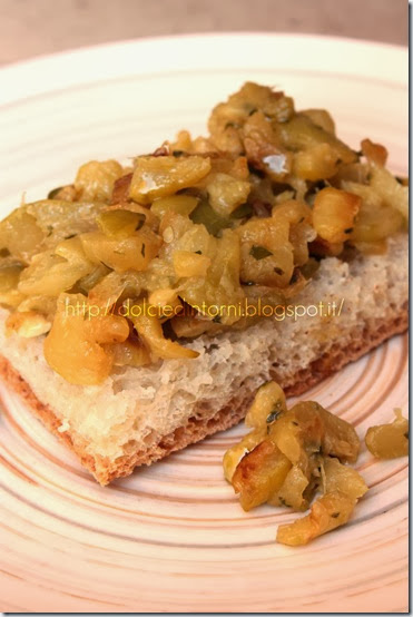 Bruschetta di zucchine all'aglio