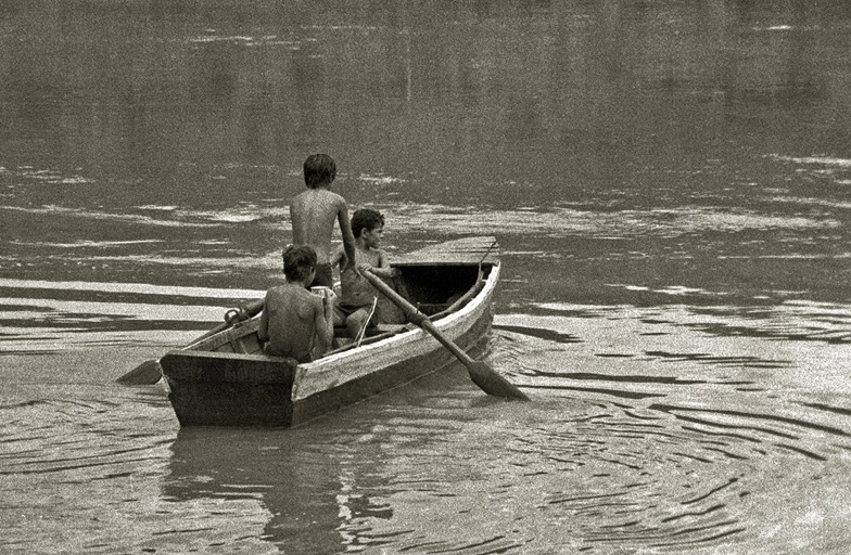 556 cruzando el Paraná