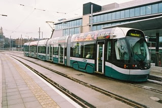 Tram_at_Station_Street_terminus_in_Nottingham_-_geograph_org_uk_-_133038