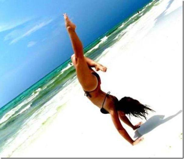 GAROTAS na praia (8)