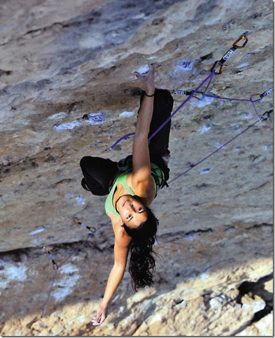 girls-rock-climbing-24
