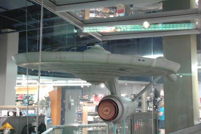 USS Enterpriseの巨大模型