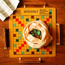 NACHGEMACHT - Spielekopien aus der DDR: Scrabble - Vom Vater zum Sohn zur Tochter