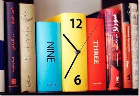 Часы для книголюбов