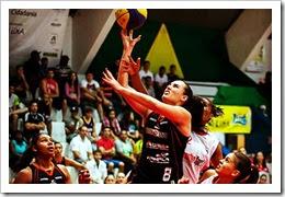 22JAN15-01 l Liga de Basquete Feminino l Jaqueline da Silva © Arquivo Pessoal