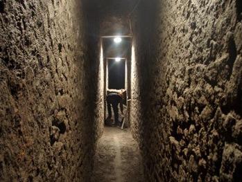 Imagenes de una cloaca Romana  -  Fotografa  de Domenico Camardo - Herculaneum Conservation Project