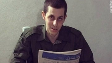 Shalit parents end protest as son's freedom promised