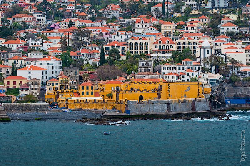 Прогулка по улочкам Фуншала. Мадейра. Португалия. круиз на Costa Concordia.
