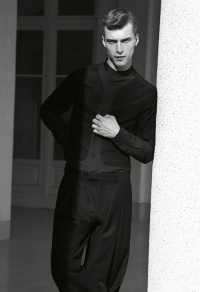 Clément Chabernaud by Carlotta Manaigo for L'Officiel Hommes Italia F/W 2011. Styled by Emil Rebek.