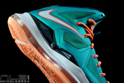 lebron10 dolphins 51 web black The Showcase: Nike LeBron X Setting / Miami Dolphins