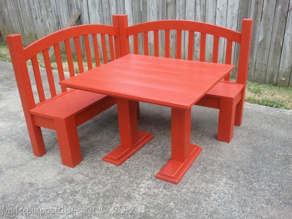 red corner bench table