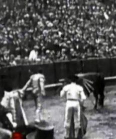 1914-04-22 Sevilla Joselito estocada desplante