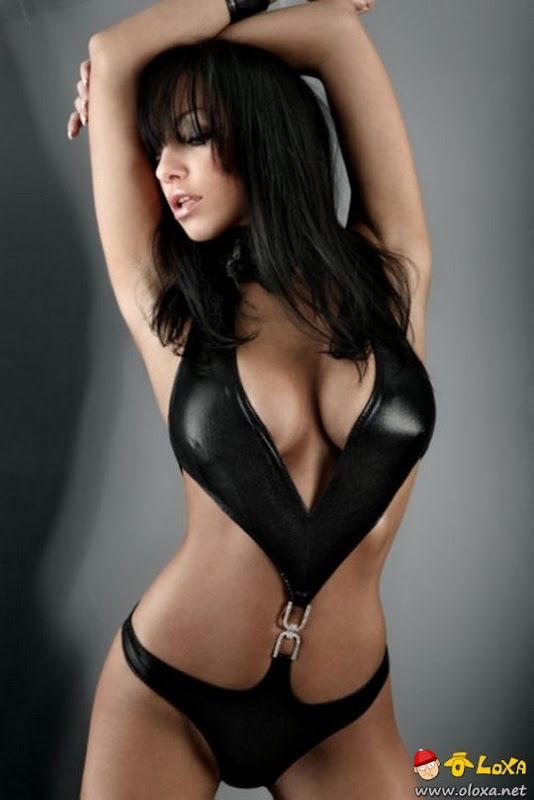 beautiful-cleavage-39