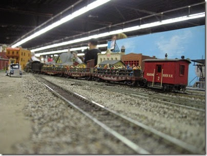 IMG_5438 'People Express' on the LK&R HO-Scale Layout at the WGH Show in Portland, OR on February 17, 2007