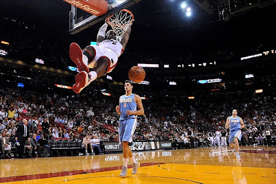 lebron james nba 121103 mia vs den 07 King James wears 5 Colorways of Nike LeBron X in 6 Games