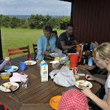 Frokost på terrassen med røget makrel og laks fra Fåborg havn