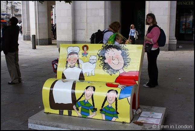 Jacqueline Wilson book bench