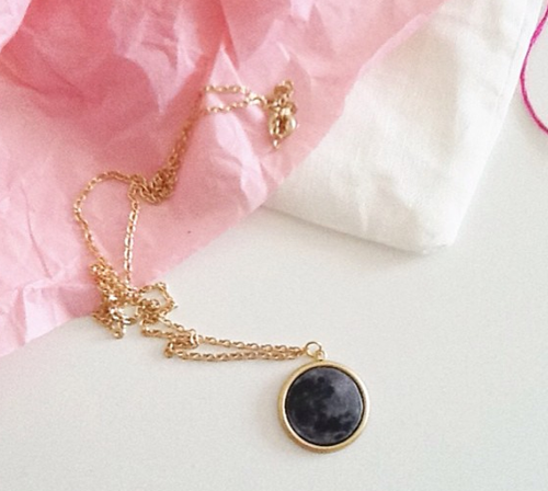 instagram_moon_necklace_thumb[1]