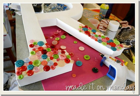 button letter assembly 1