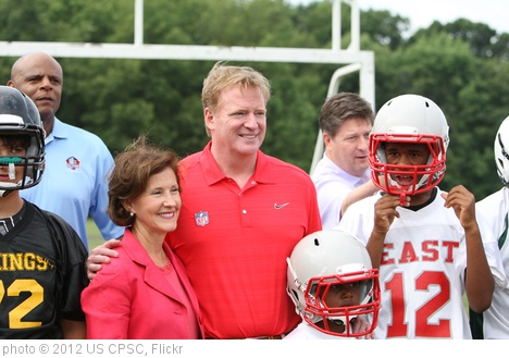 'CPSC, NFL Tout Safer Play' photo (c) 2012, US CPSC - license: http://creativecommons.org/licenses/by/2.0/