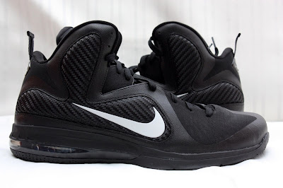 nike lebron 9 pe black white 1 07 PE Spotlight // Nike LeBron 9 Triple Black with White Swoosh