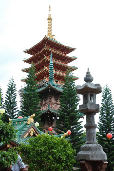 Bảo tháp chùa Minh Thành