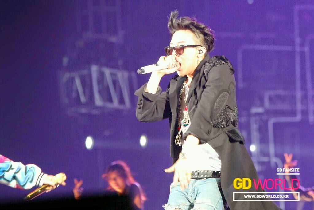 G-Dragon - YG Family Power Tour 2014 in Osaka - 12apr2014 - Fan - GD World - 6.jpg