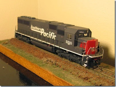 IMG_9461 Athearn SD50 Southern Pacific #5510 Before