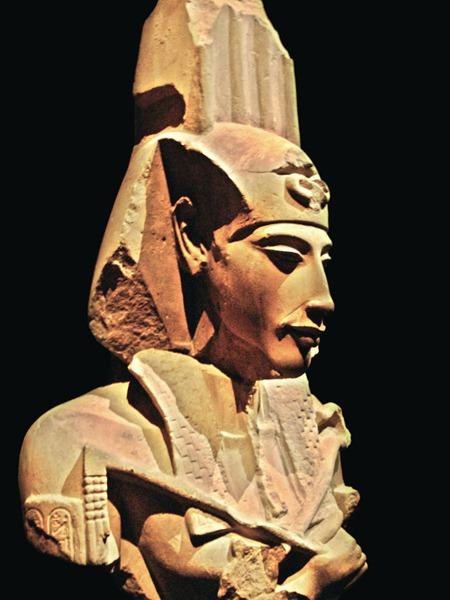 Akhenaten_-_Ajenatón