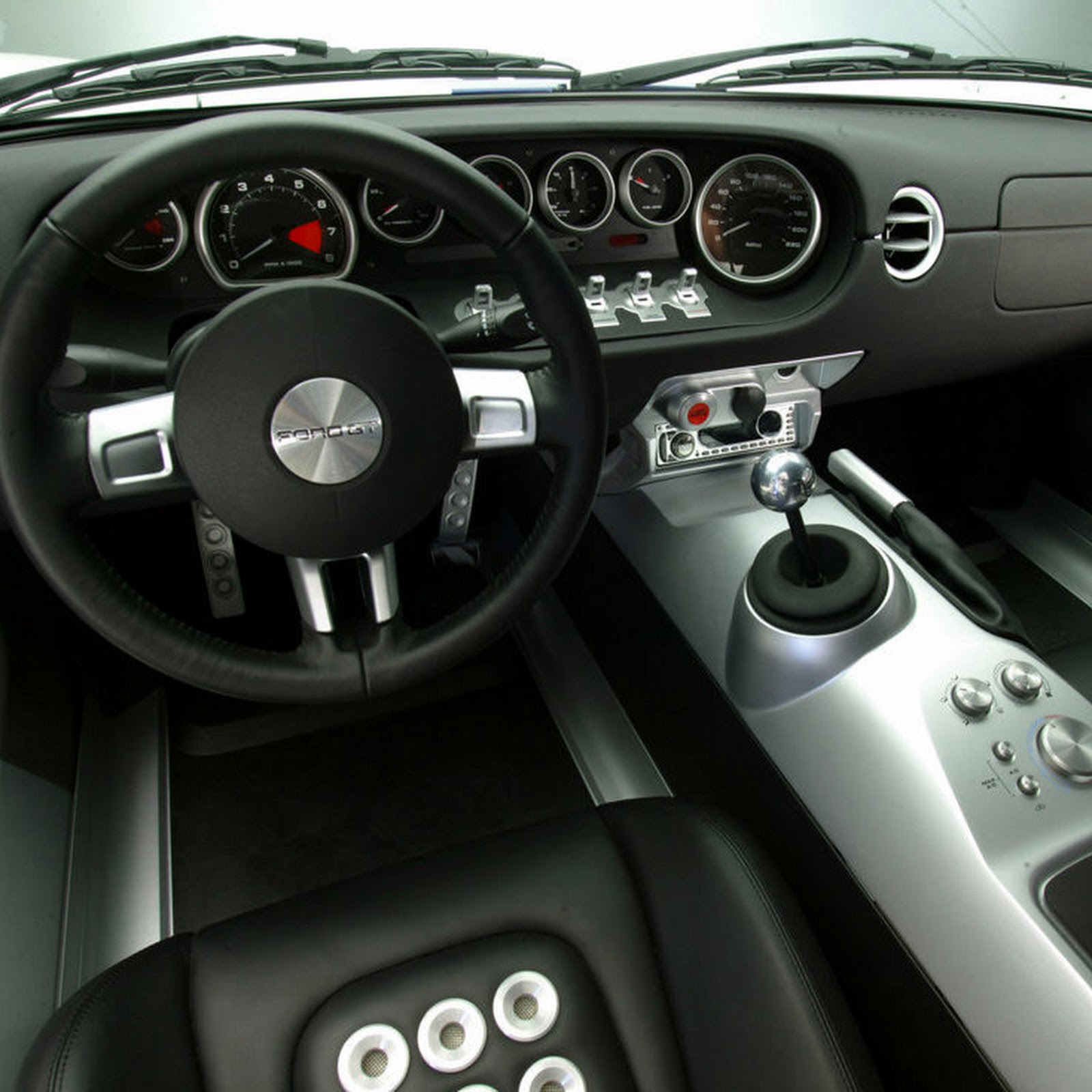 2005-Ford-GT-2.jpg