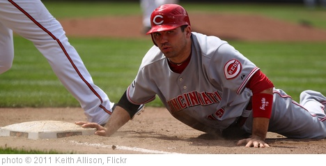 'Cincinnati Reds first baseman Joey Votto (19)' photo (c) 2011, Keith Allison - license: http://creativecommons.org/licenses/by-sa/2.0/