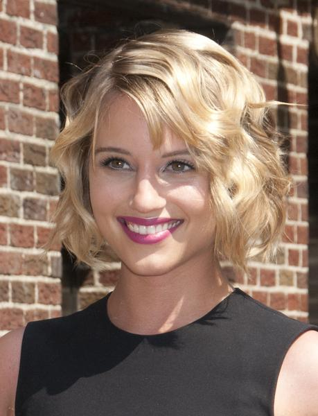 Wavy Bob Hairstyle for Women