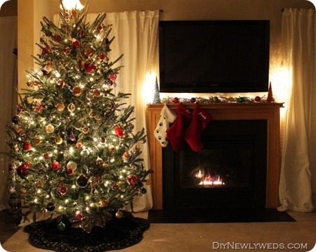 christmas-tree-and-mantle