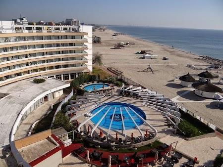 02. Piscina hotel Vega.JPG