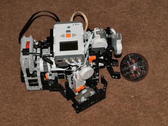 LEGO Mindstorms NXT Soccer Bot - Mark I