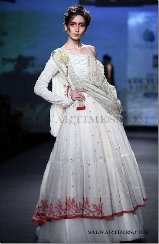 Anju_Modi_Salwar_Delhi_Couture_Week_2012 (6)