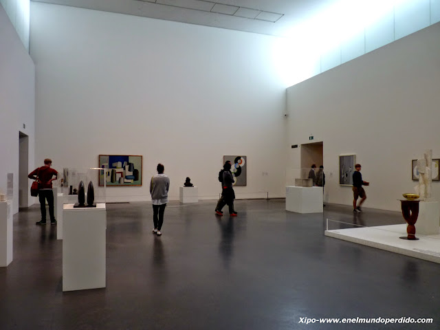interior-tate-modern-museum-london.JPG