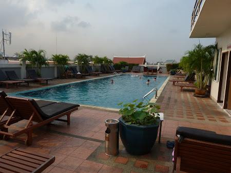 Hotel ieftin cu piscina: Rambuttri Village Inn Bangkok