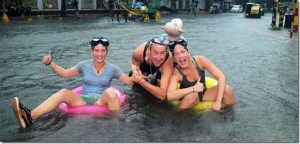 happy-flood-people-48
