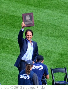 'Mike Piazza Receives Mets Hall of Fame Plaque' photo (c) 2013, slgckgc - license: https://creativecommons.org/licenses/by/2.0/