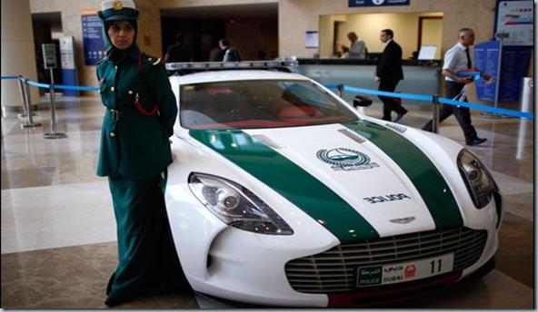 Polisi Dubai Dibekali Sejumlah Mobil Mewah 2   foto   Tempo.co