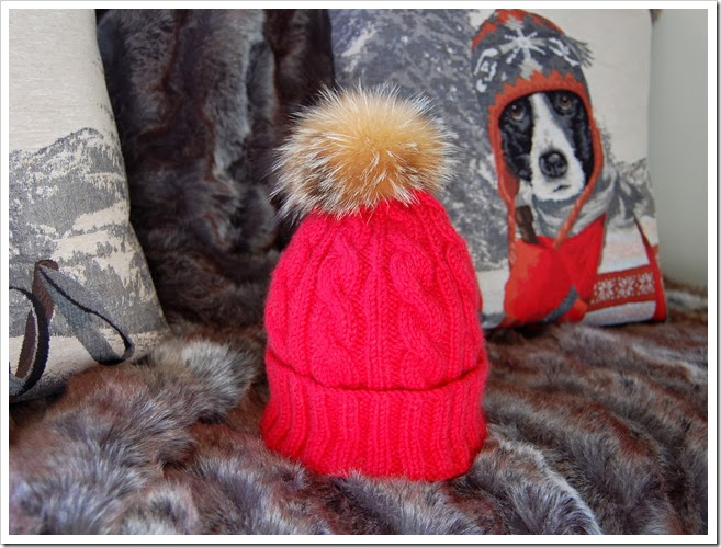 ALPINE ANGEL RED CASHMERE BEANIE