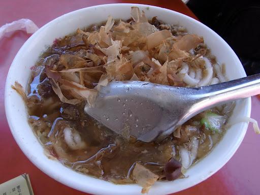 米苔目といううどんのようなもの。鰹出汁で美味しいよ。