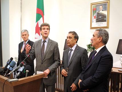 Visite d'Arnaud de Montebourg à Alger - La France veut construire une